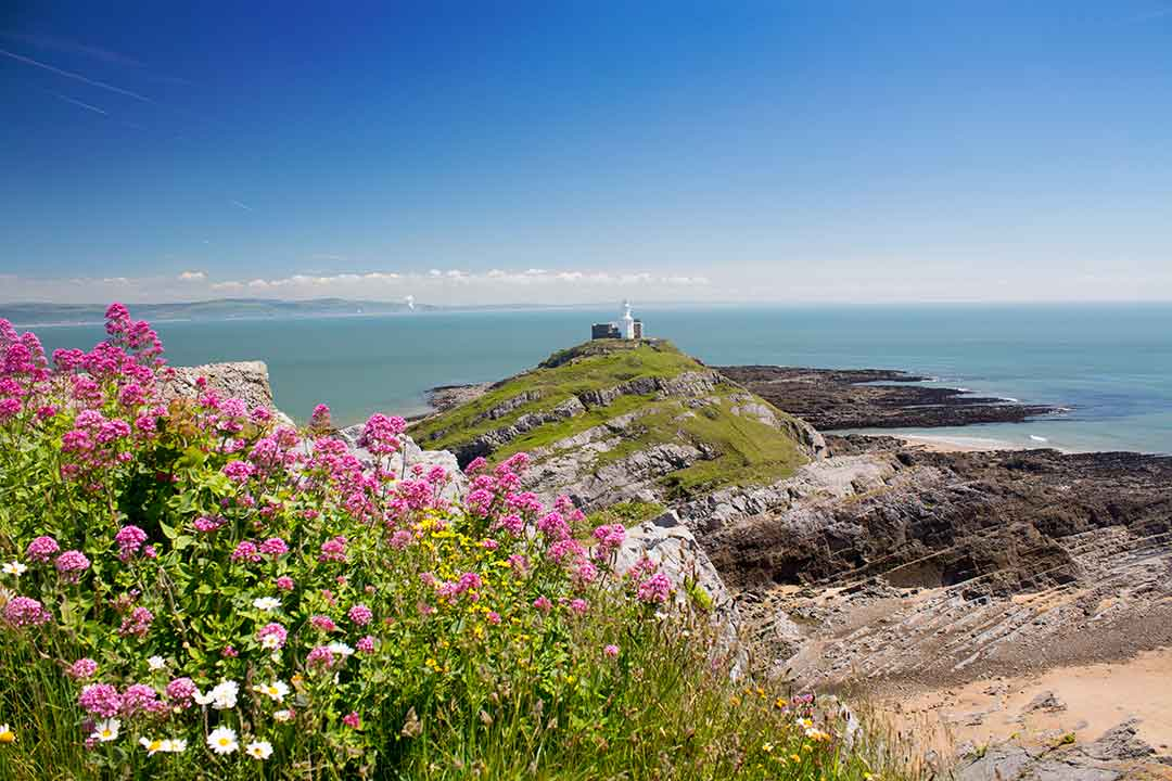Image of Mumbles Head lighthouse, Swansea